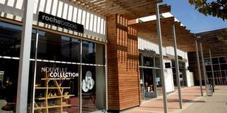 Roche Bobois Perpignan vend des meubles design, du mobilier contemporain et des articles de décoration signés de créateurs, au Carré d'or.(® SAAM stéphane Delchambre)