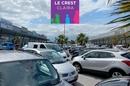 Des commerces à Claira pour le shopping ou à louer pour les professionnels à l'Espace commercial Le Crest