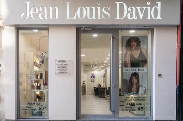 Coiffeur Perpignan Jean Louis David au centre-ville dans la rue de l'ange (® SAAM-aGuje)