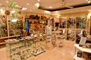 Boutique L'Anaconda Perpignan vend des bijoux, des objets déco, accessoires de modes, des minéraux et des idées cadeaux(® SAAM S. Delchambre))