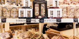 Torrons Vicens Perpignan est une boutique de nougats, turrons et chocolats au centre-ville de Perpignan