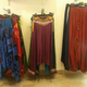 Damaï Perpignan présente des vêtements Femme tels que des sarouels et des robes (® networld-david gontier)