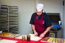 Préparation de banquets Perpignan chez Michel Roger Traiteur Charcutier dans la rue Claude Bernard (® networld- Benoist Girard)